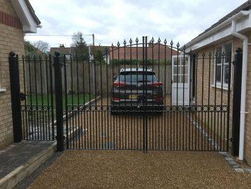 Salhouse - Single straight top gate